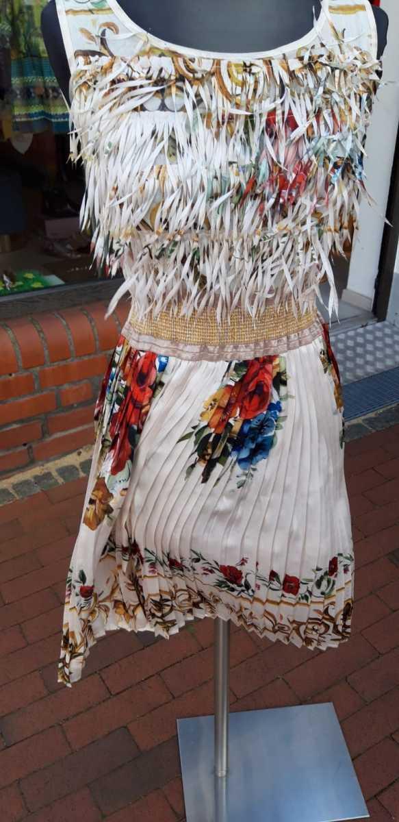 Sommer-Flatterkleid in Gr.S für €50